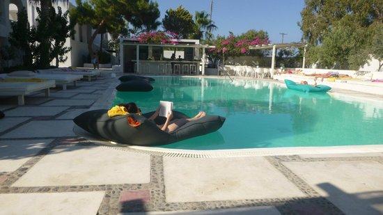 Hotel 28: the pool area