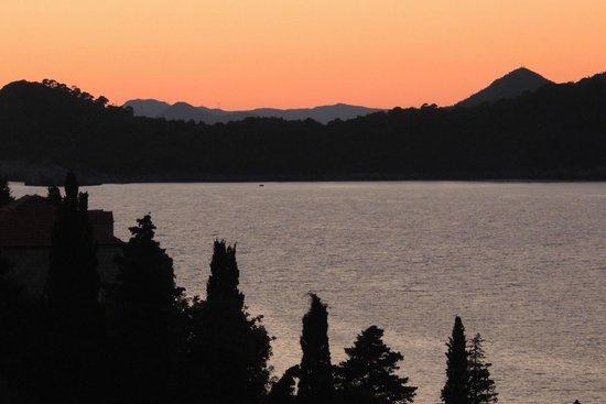 Lafodia Hotel & Resort : sunset