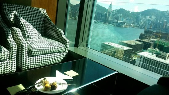 Hotel ICON: The club lounge afternoon tea