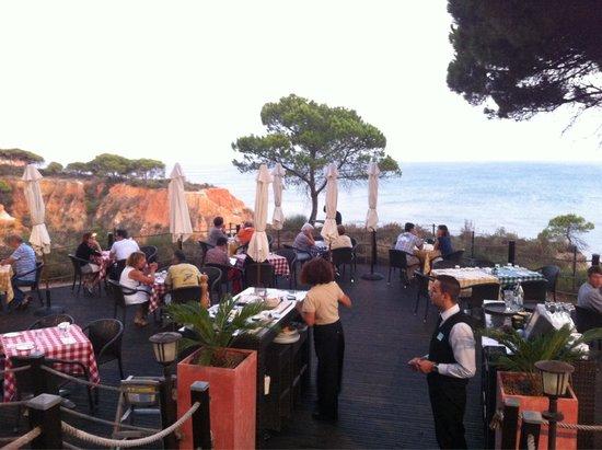 PortoBay Falesia: Restaurante Basilico. Vista incrível, comida italiana bem confeccionada. Couvert e entradas 5*!