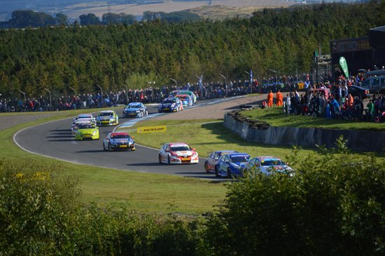 ‪Knockhill Racing Circuit‬