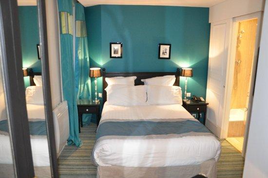 Hotel Cluny Square: quarto