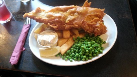 The Old Inn Kilmington: Haddock and chips... sure it wasn't a whale???