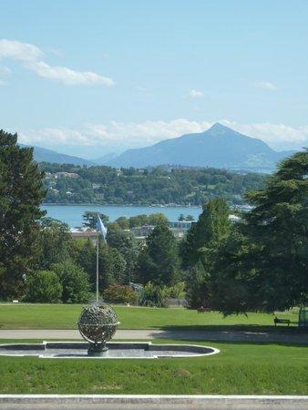 UNOG - Palais des Nations: Ariana Park at the Palais des Nations, Lake Geneva