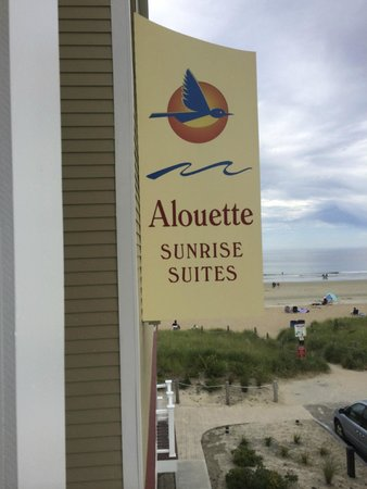 Alouette Beach Resort : the sign