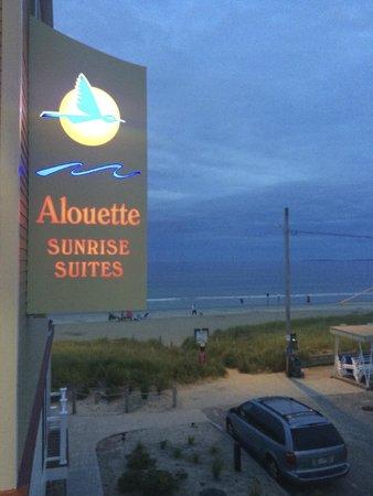 Alouette Beach Resort : the sign