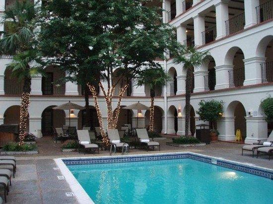 Omni La Mansion del Rio: Pool Area