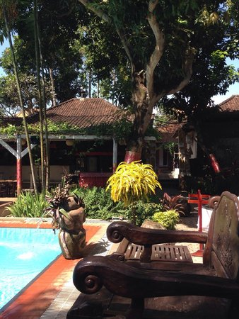 Puri Wisata Bungalows: Pool