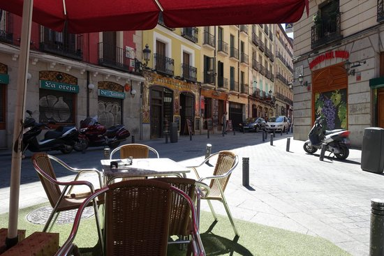 La Casa Del Abuelo : View from my table - across the street to the right is the main restaurant.