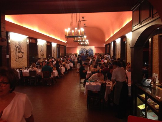 Cervejaria Trindade : main dining room Cervejaria Trinidade