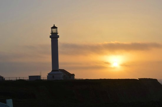 Point Arena Lighthouse : Sunset On the Point