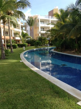Excellence Playa Mujeres : The lazy river just steps from our patio