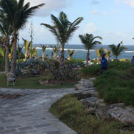 The Crane Resort: Walkway at the Crane
