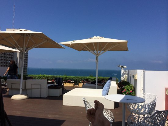 Melody Hotel   Tel Aviv - an Atlas Boutique Hotel: Roof deck