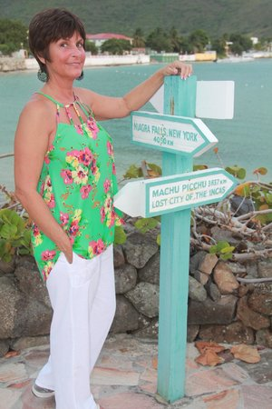 Grand Case Beach Club: Sign on walkway
