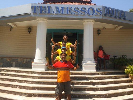 Telmessos Hotel: animation crew