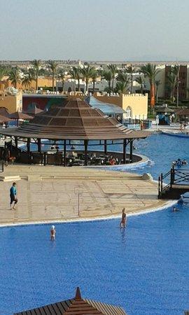SUNRISE Select Royal Makadi Resort: bazény-skluzavky