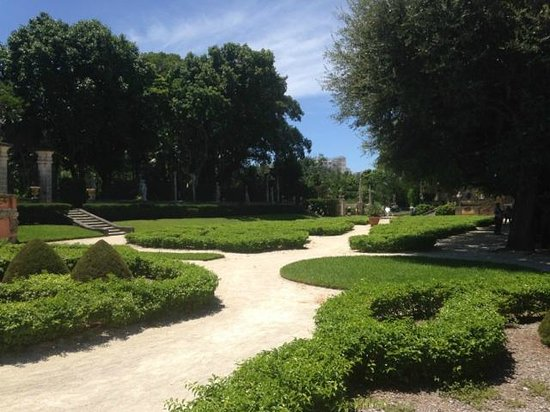 Vizcaya Museum and Gardens: Lovely gardens