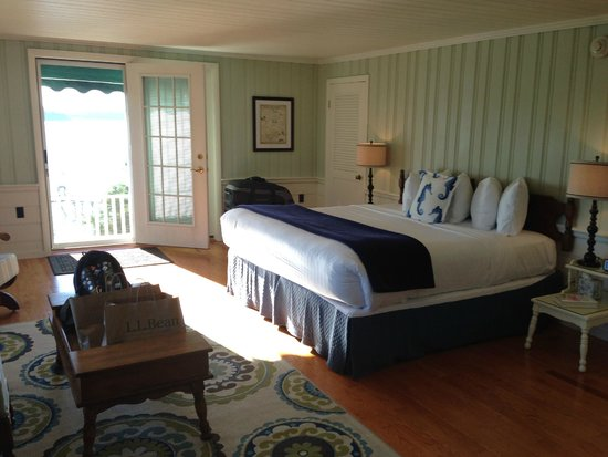 Spruce Point Inn Resort and Spa: Captain's Quarters