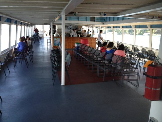 Lake George Steamboat Company: 2nd floor bar and indoor area