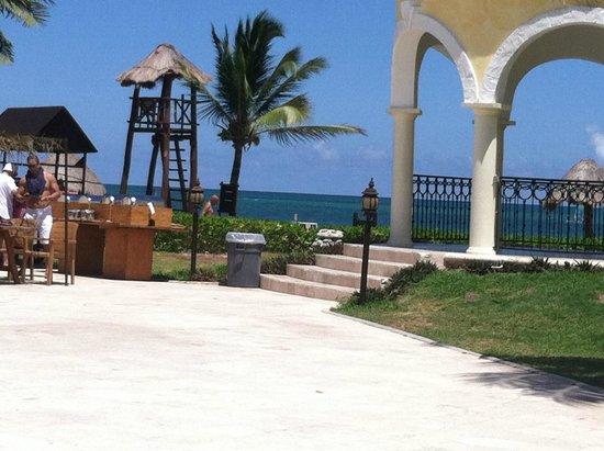 Secrets Capri Riviera Cancún: View from pool