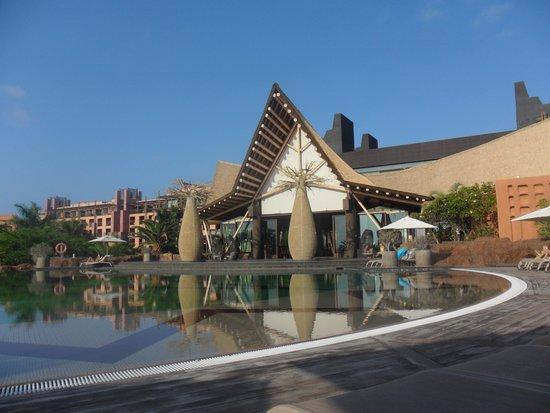 Lopesan Baobab Resort : pool area