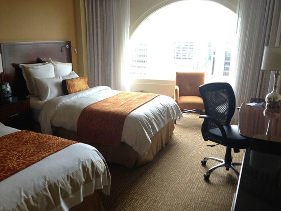 Montreal Marriott Chateau Champlain: Very nice rooms