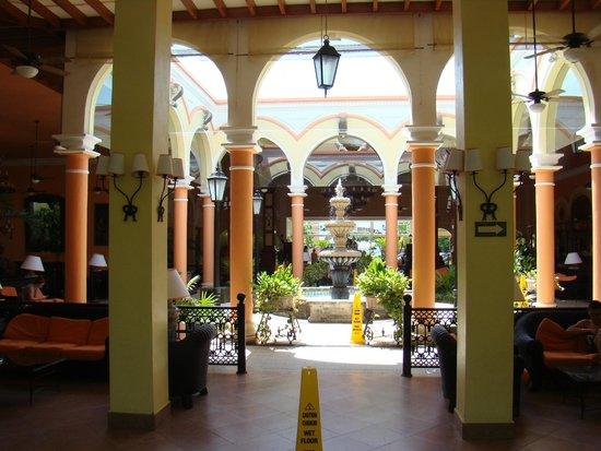 ClubHotel Riu Tequila: lobby