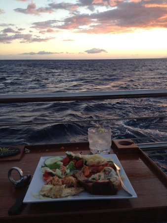 Alii Nui: Amazing view with dinner.