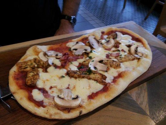 Ask Italian - Bury St Edmunds: Pollo Piccante pizza