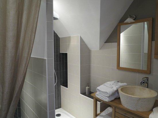 La Maison du Carroir: La salle d'eau