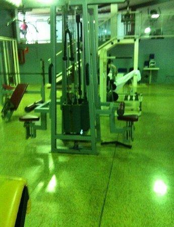 Dynastic Hotel: Gym at Dynastic