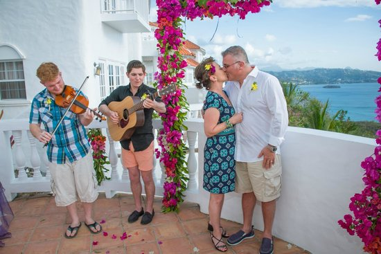 Windjammer Landing Villa Beach Resort: Perfect surprise wedding.