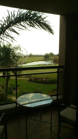 Sheraton Colonia Golf & Spa Resort : Hermosa vista del río, canchas de golf y piletitas