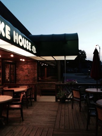 Grandma's Pancake House: Outdoor Patio!