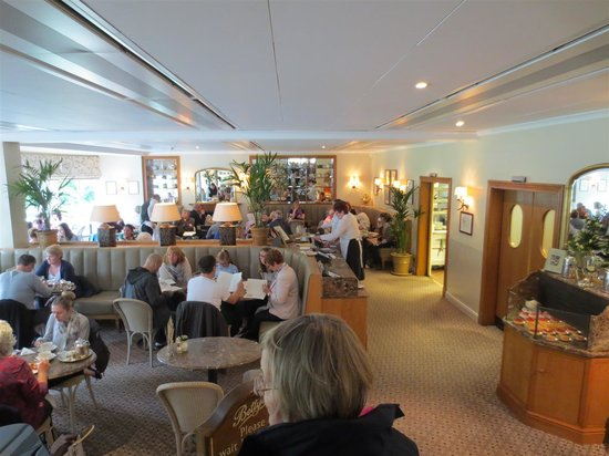 Bettys Cafe Tea Rooms - Harrogate: The lower restaurant area