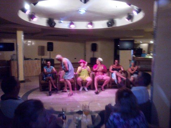 Sandos Monaco Beach Hotel & Spa: El maravilloso juego de las sillas