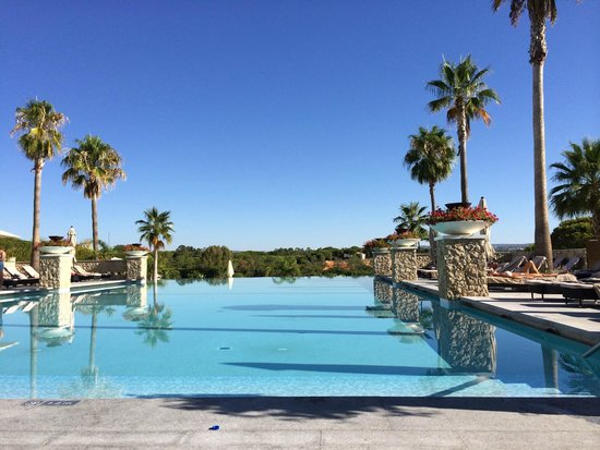 Conrad Algarve: One of the beautiful swimming pools