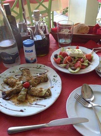 Ntomatini: eggplant and greek salad