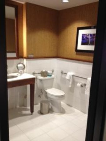 Hotel Valencia - Santana Row: washroom