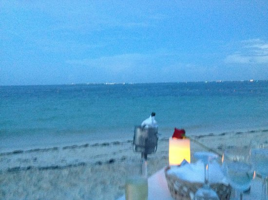 Excellence Playa Mujeres: View of the ocean and beach duriing the couples dinner.