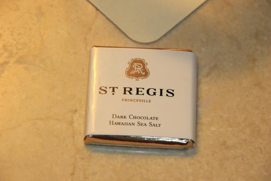 St. Regis Princeville Resort: St. Regis Princeville night time chocolate