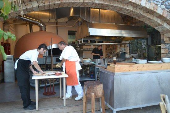 Ferryman Taverna : Chefs at work