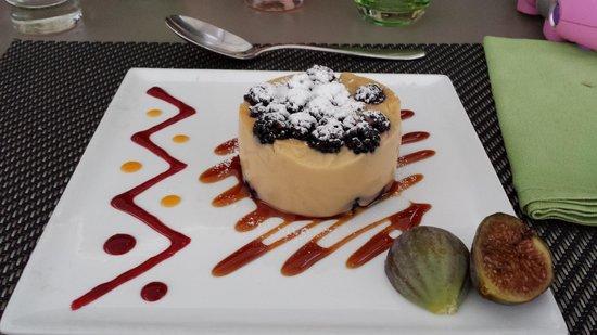 Les Aubuns Country Hotel : Un bon dessert miam