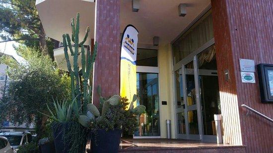 Hotel Raffy: Entrata