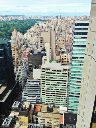 Four Seasons Hotel New York: View of NY from the room