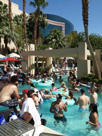 MGM Grand Hotel and Casino : La piscina