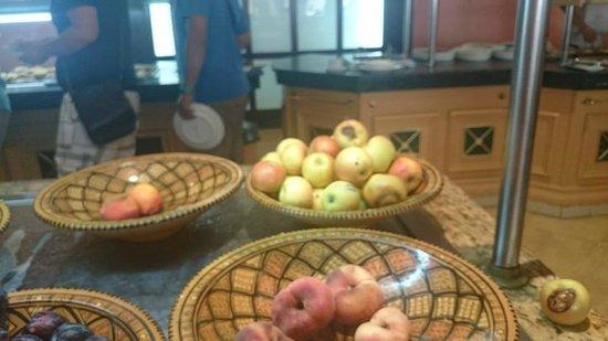 Hotel Laico Hammamet: Zepsute owoce w restauracji