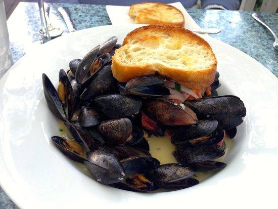 The Thistle Inn Restaurant: Mussels