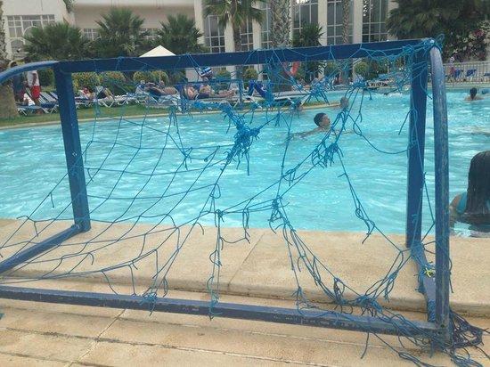 Hotel Laico Hammamet: siatka do gier w basenie